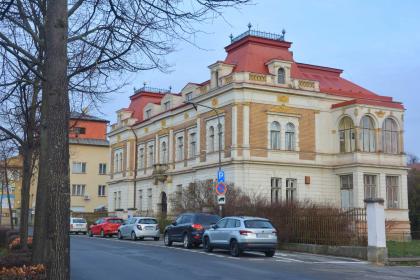 Zastupitelé odsouhlasili podmínky pro budoucí prodej vily Klára