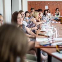 obrázek k ŽÁKOVSKÝ PARLAMENT V ŽIVOTĚ ŠKOLY (Jak získat podporu pedagogického sboru a usadit parlament ve struktuře školy) - kabinet školních parlamentů