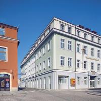 obrázek k Na severním konci Smetanova náměstí stojí budova pošty