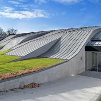 obrázek k Městský bazén Litomyšl byl vyhlášen Stavbou roku 2011 a získal Grand Prix obce architektů